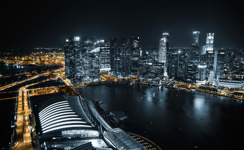 Вид с воздуха Сингапура на ноче стоковая фотография