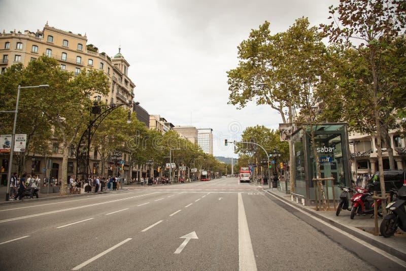Вид с воздуха улицы в районе Eixample, Барселоны Passeig de Gracia, Испании, Европы стоковые изображения