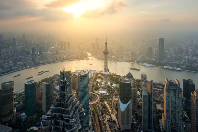 Вид с воздуха финансов Шанхая, lujiazui Шанхая и дела стоковое изображение rf