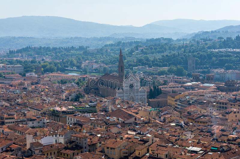 Вид с воздуха Флоренса с базиликой Santa Croce стоковая фотография rf