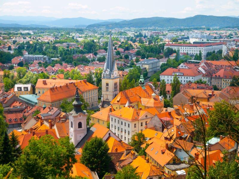 Вид с воздуха церков St James в Любляне стоковая фотография rf