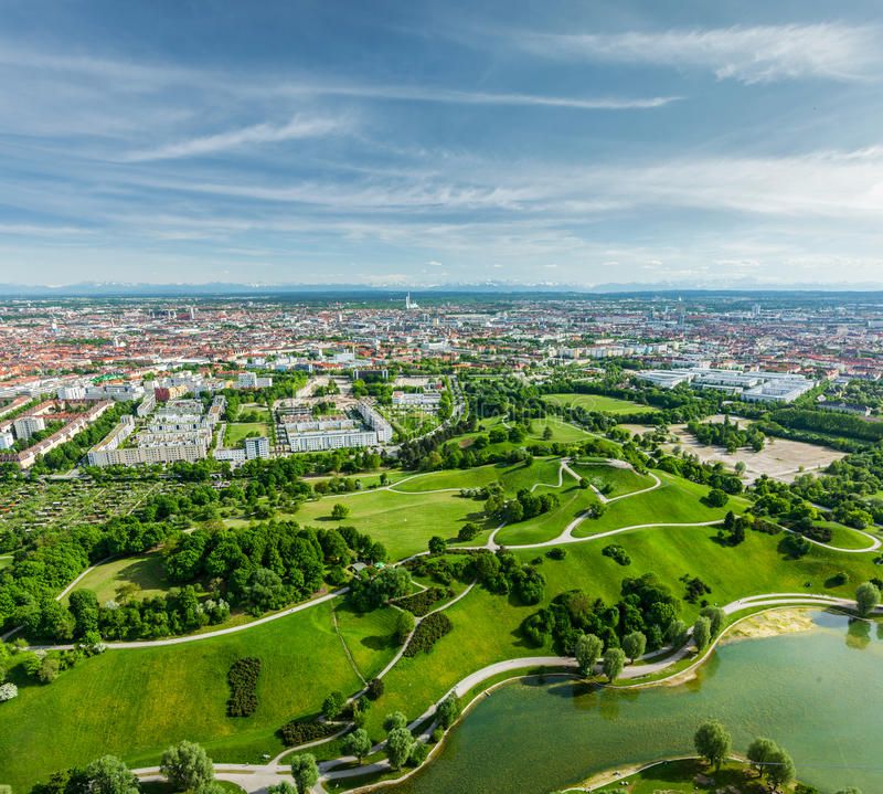 Вид с воздуха Olympiapark. Мюнхен, Бавария, Германия стоковые изображения
