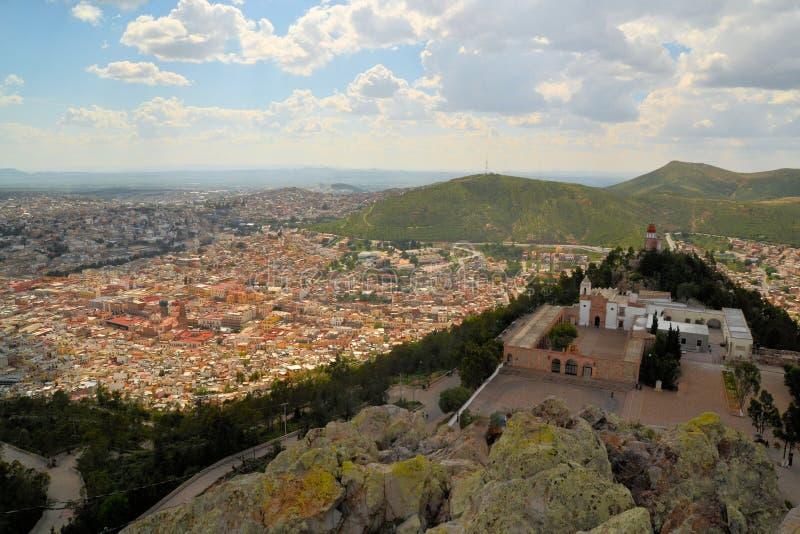 Вид с воздуха Zacatecas, красочного колониального городка стоковое изображение rf