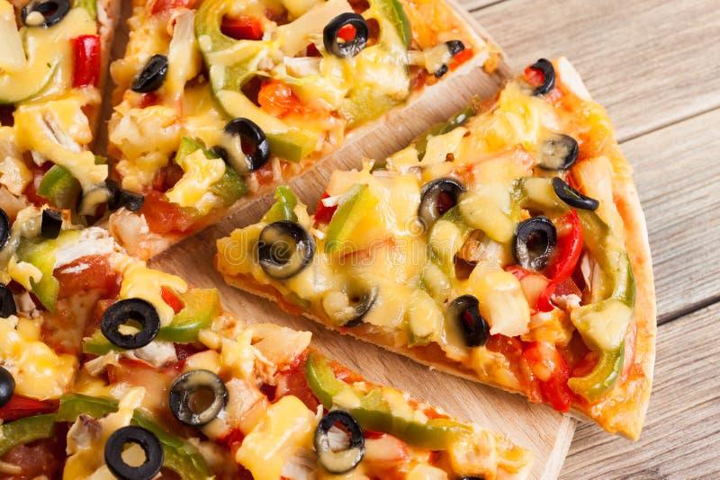 вкусная итальянская пицца стоковая фотография rf