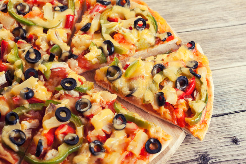 вкусная итальянская пицца стоковое изображение