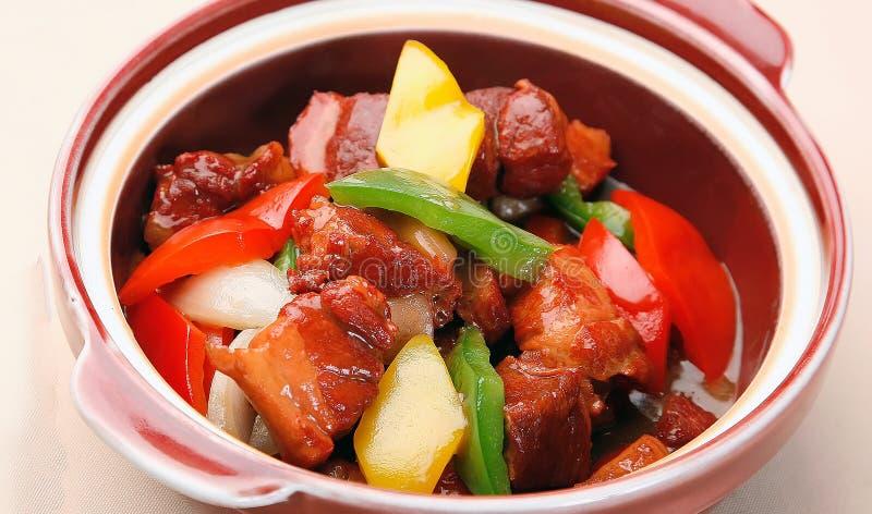 Вкусные блюдо и паприка гуляша стоковое изображение rf