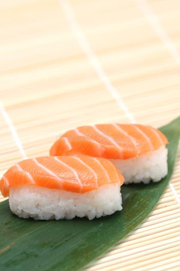 вкусные подготовленные суши стоковое изображение rf