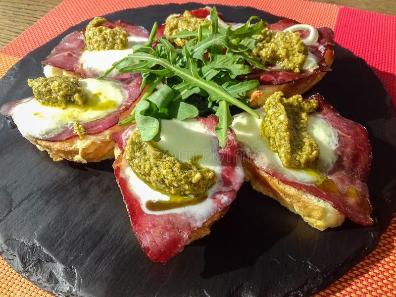 Вкусные сандвичи стоковые изображения