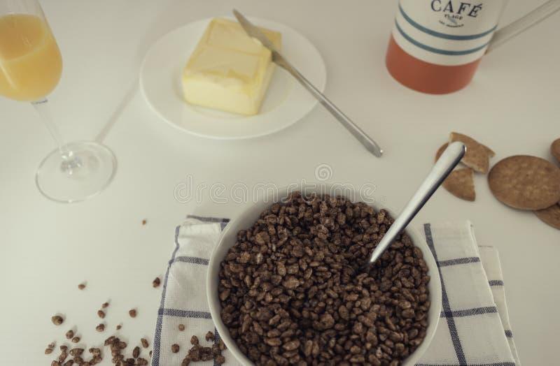 Вкусный и полный завтрак стоковые изображения