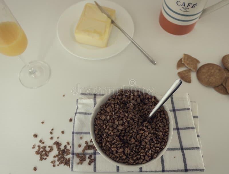 Вкусный и полный завтрак стоковое изображение rf