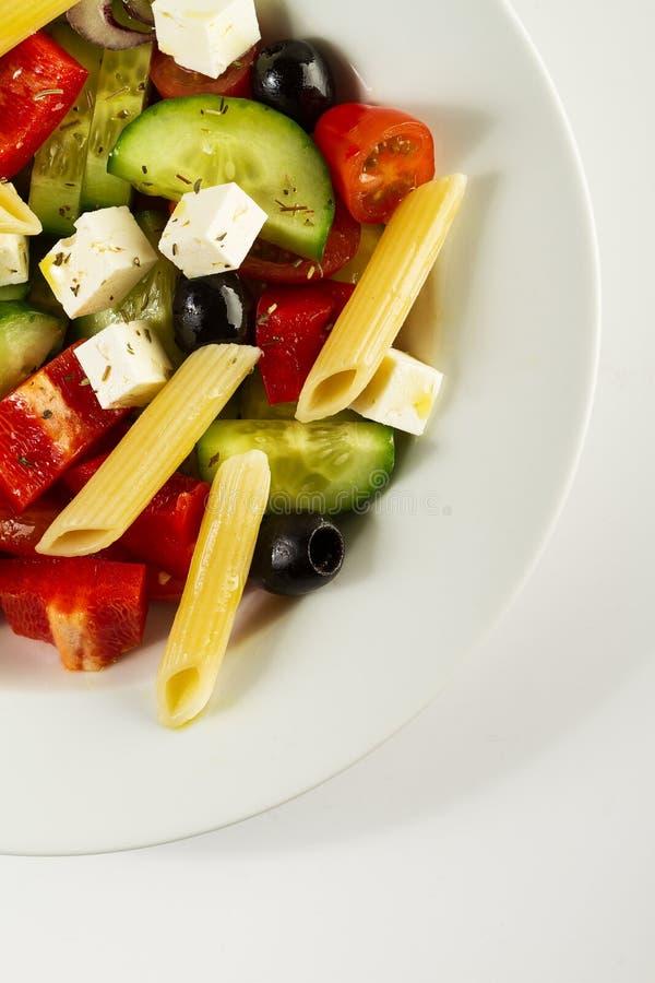 Вкусный красивый греческий традиционный греческий или итальянский салат с ve стоковое изображение rf