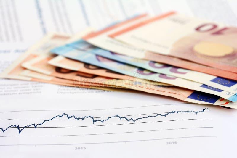 Вклад - выгода и потеря - финансы стоковые фото