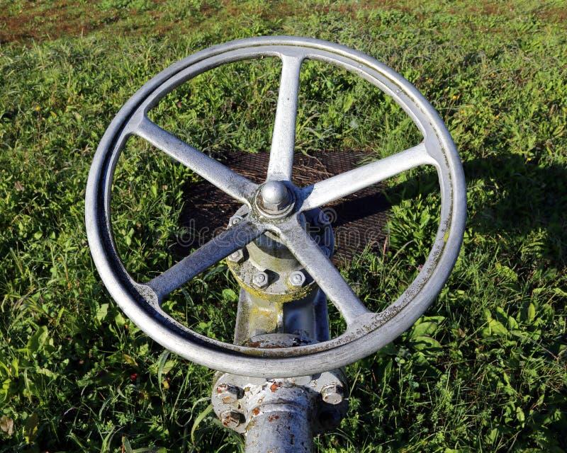 Включеный-выключеный клапан для закрывать топливо или газ стоковое фото
