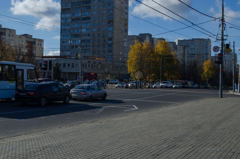 Владимир, бульвар России 20-ое октября 2018 Ленин, квадрат победы автобусной остановки стоковое фото rf