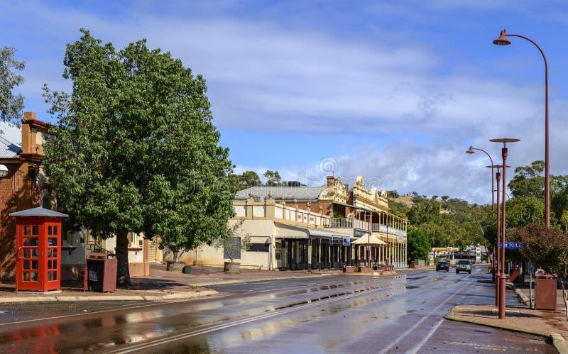 Влажная улица после засухи стоковые фото