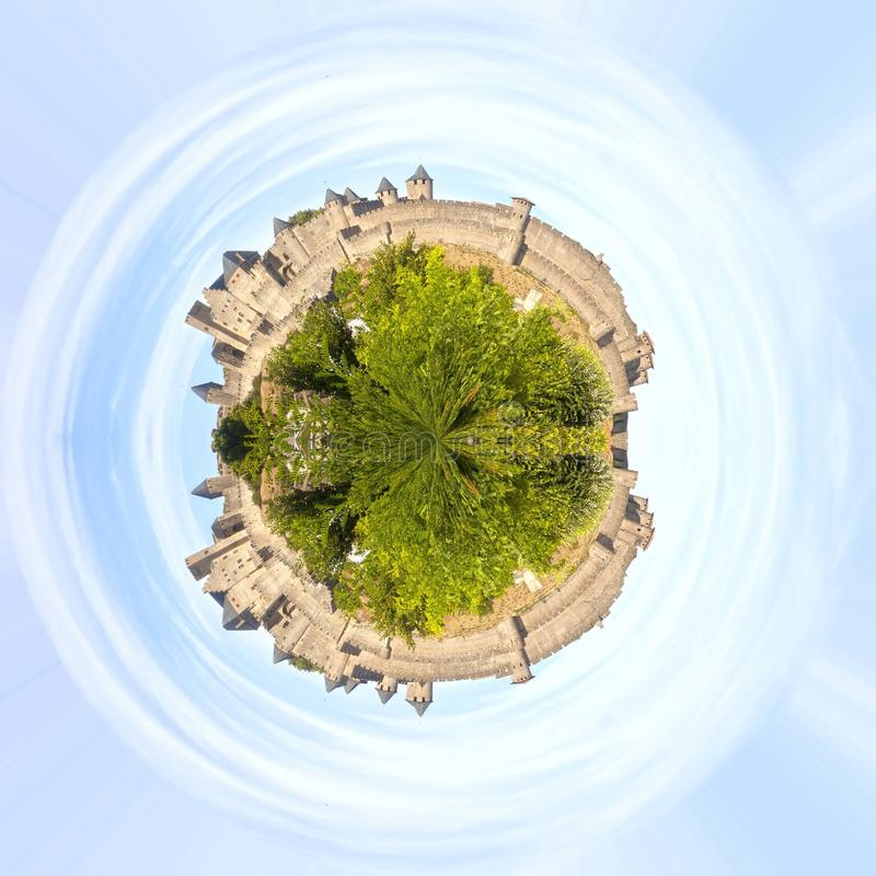 Влияние планеты замка Каркассона в Франции стоковые изображения rf
