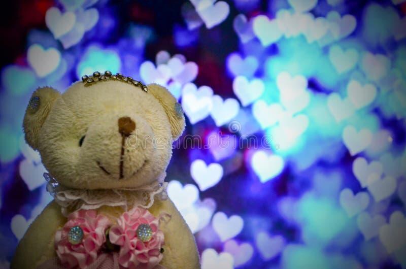Влюбленность плюшевого медвежонка стоковая фотография