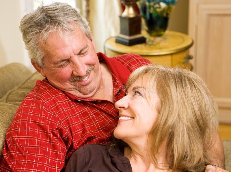 влюбленность супругов стоковые фото