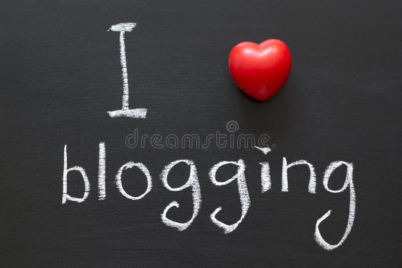 Влюбленность blogging стоковая фотография rf