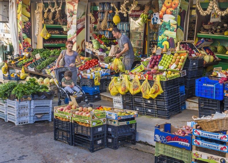 Внешние покупки рынка стоковая фотография rf
