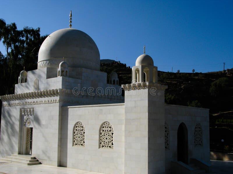 Внешний взгляд к мавзолею mustaali, Hoteyb, Йемену стоковые изображения rf