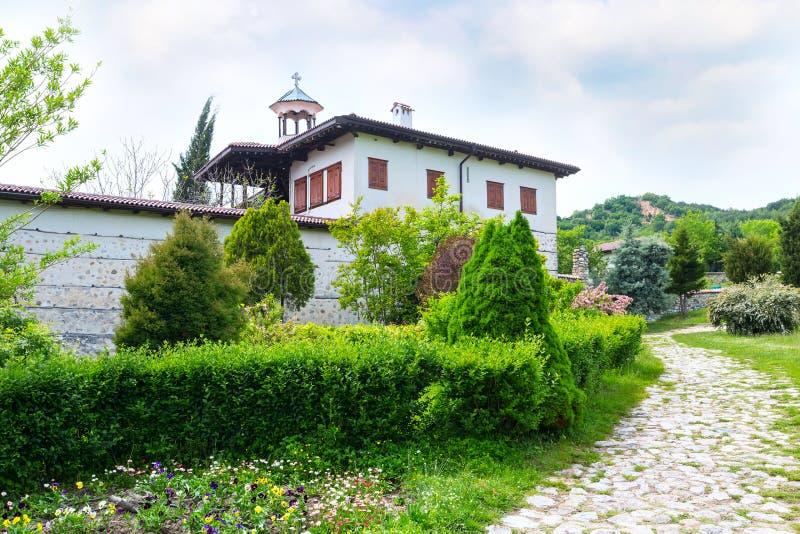 Внешний взгляд монастыря Rozhen, рождество матери бога, зона Blagoevgrad, Болгария стоковое изображение rf