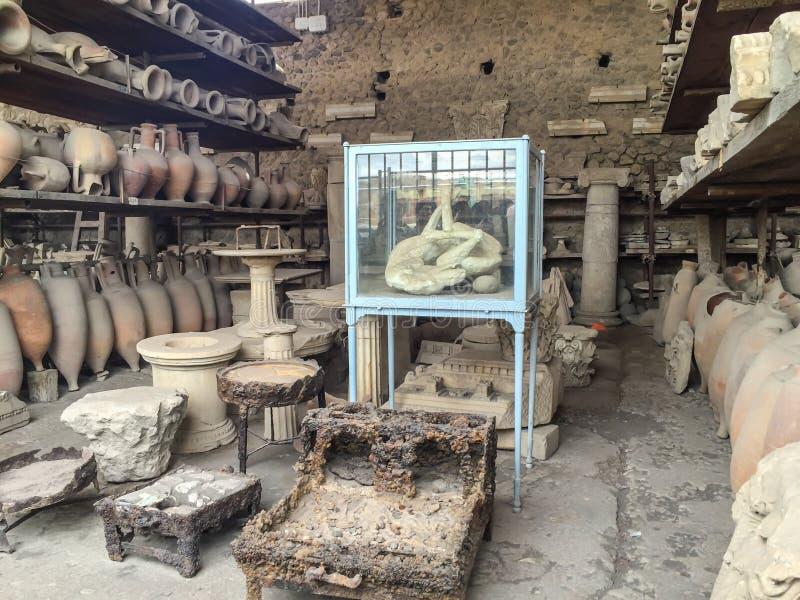 Внешний музей Помпеи стоковые фотографии rf