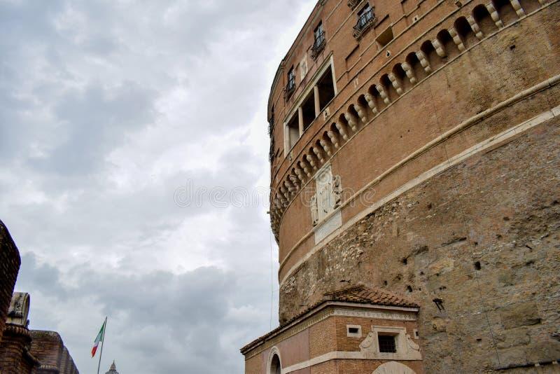 """Внешний обзор замка Италии Sant """"Angelo стоковое фото"""