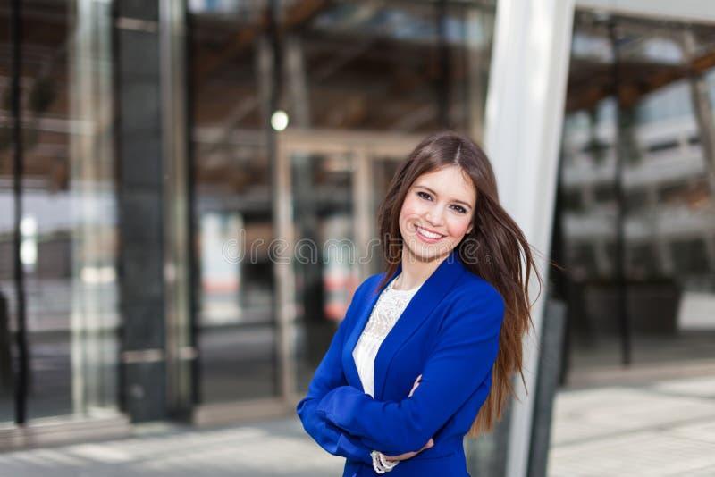 Download Внешний портрет бизнес-леди Стоковое Изображение - изображение насчитывающей armourer, уверенно: 37928809