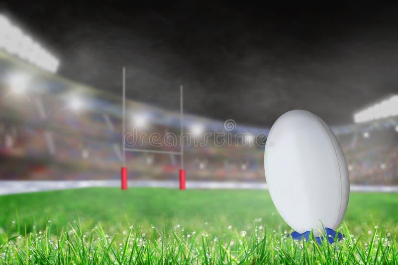 Внешний стадион рэгби с шариком на космосе тройника и экземпляра стоковые фотографии rf