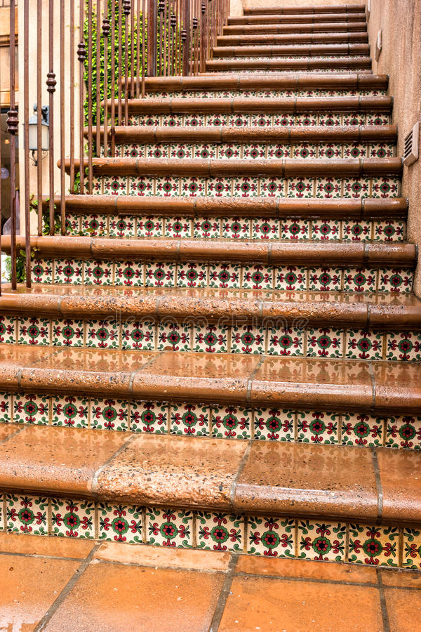Внешняя лестница, Tlaquepaque в Sedona, Аризоне стоковые фотографии rf