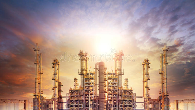 Внешняя трубка нефтехимического завода и нефтеперерабатывающего предприятия для produc стоковые изображения