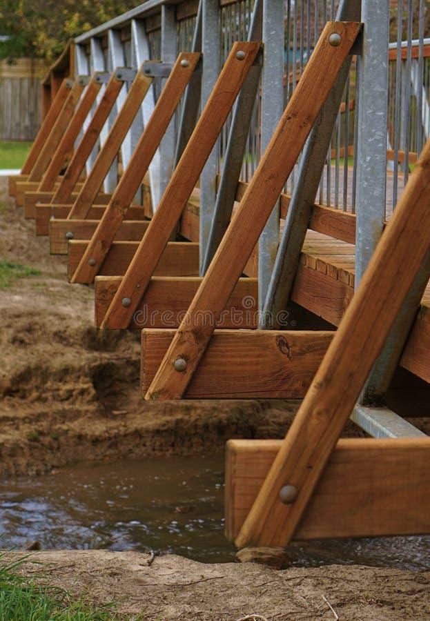 Внешняя часть деревянного моста стоковое изображение
