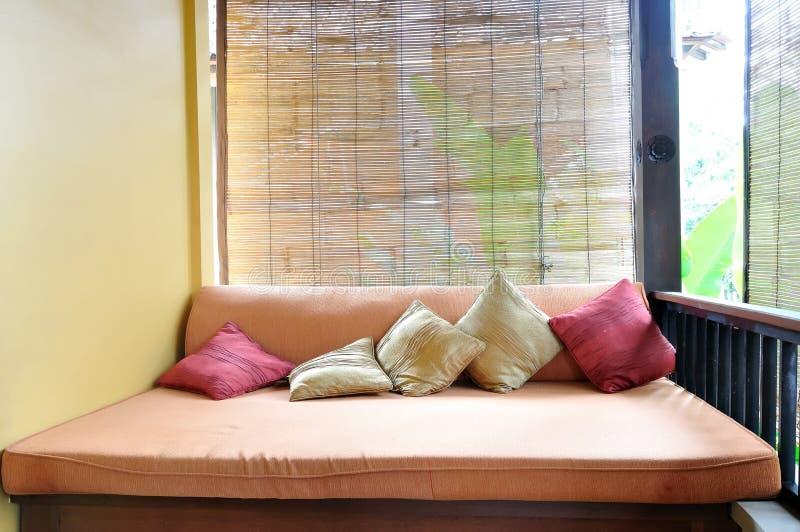 Внешняя ralaxing зона в азиатском стиле стоковое изображение