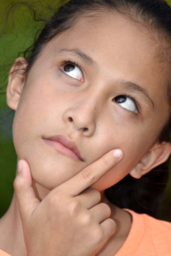 Внимательная девушка подростка стоковая фотография rf
