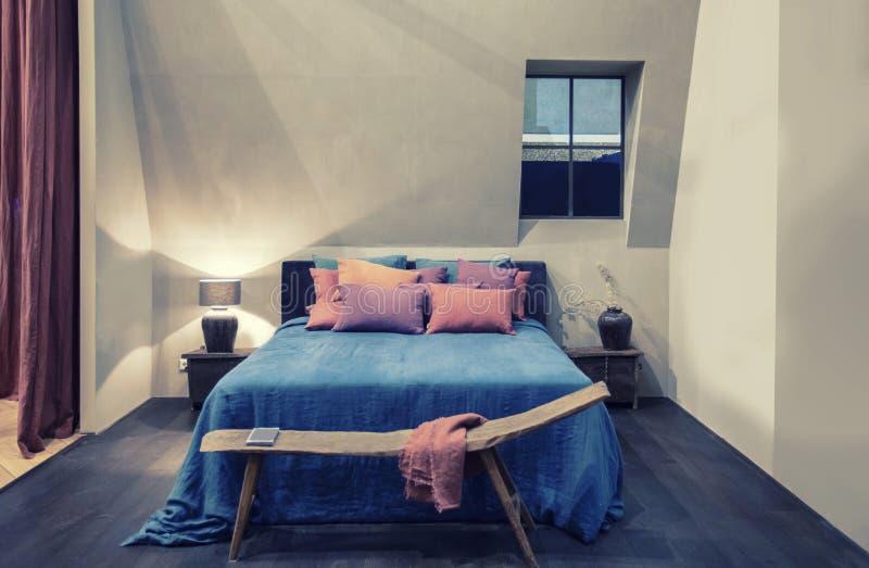 Внутреннее положение спальни стоковое изображение rf
