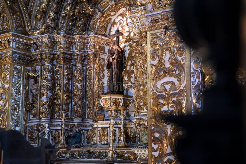 Внутреннее Igreja e Convento de São Франсиско в Бахи, Сальвадоре - Бразилии стоковые изображения
