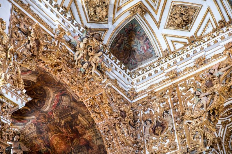 Внутреннее Igreja e Convento de São Франсиско в Бахи, Сальвадоре - Бразилии стоковое изображение rf
