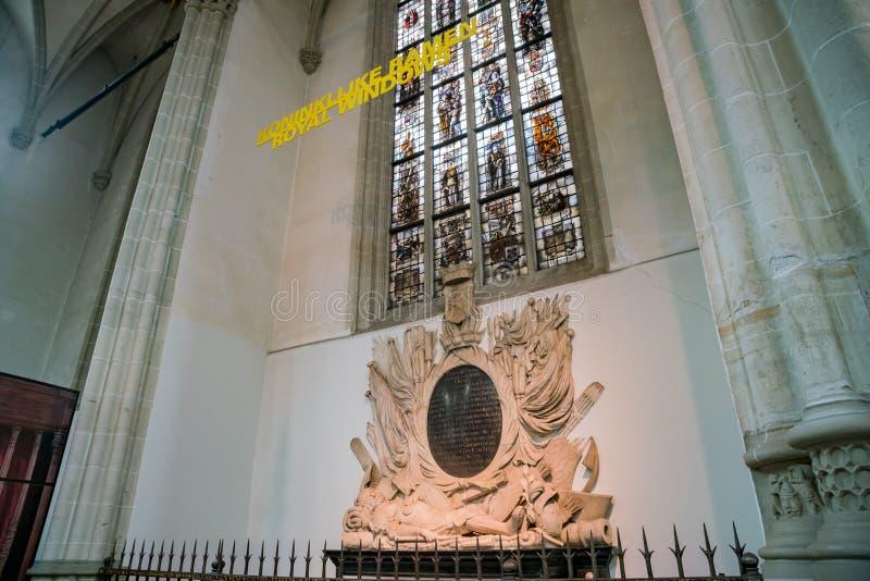 Внутренний взгляд новой церков стоковое фото rf