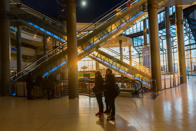 Внутренний взгляд кино Cinedom в Кёльне стоковая фотография rf