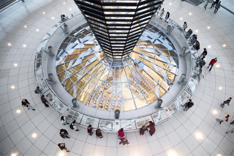 Внутренний взгляд купола Германского Бундестага - Берлина стоковое фото rf