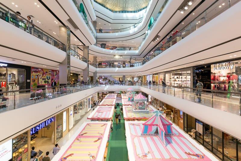 Внутренний взгляд центральной площади Pinklao стоковые фото