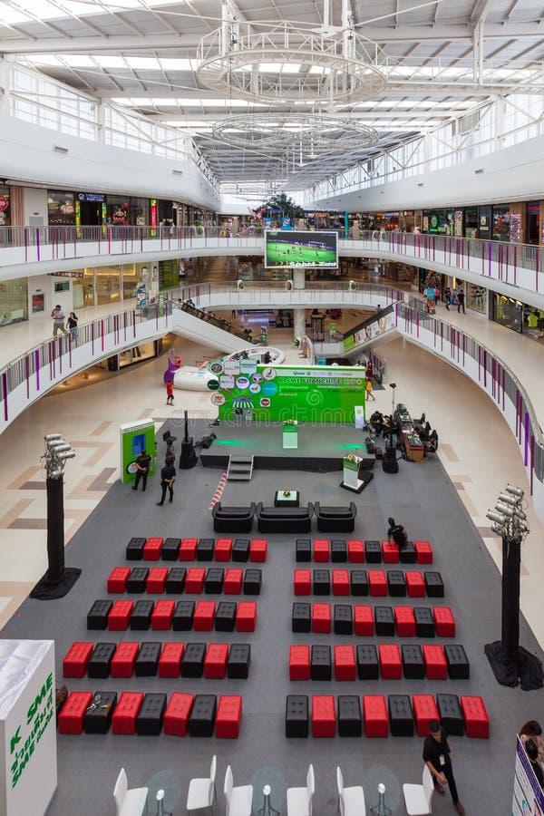 Внутренний взгляд центральной площади SALAYA стоковые фотографии rf
