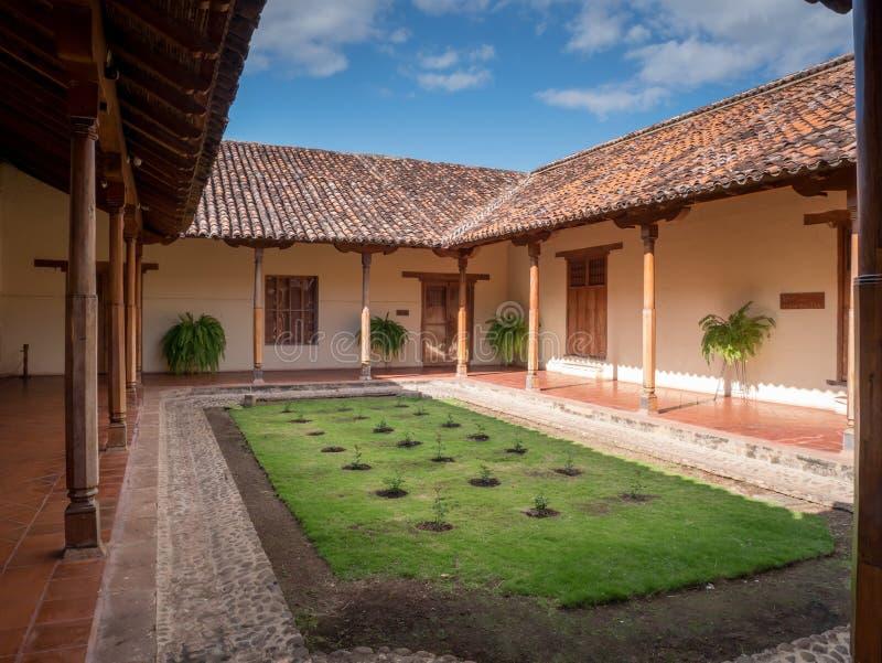 Внутренний двор в Grandada стоковая фотография