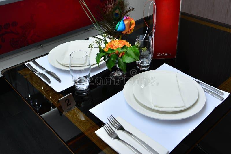 Внутренний индийский ресторан стоковая фотография rf