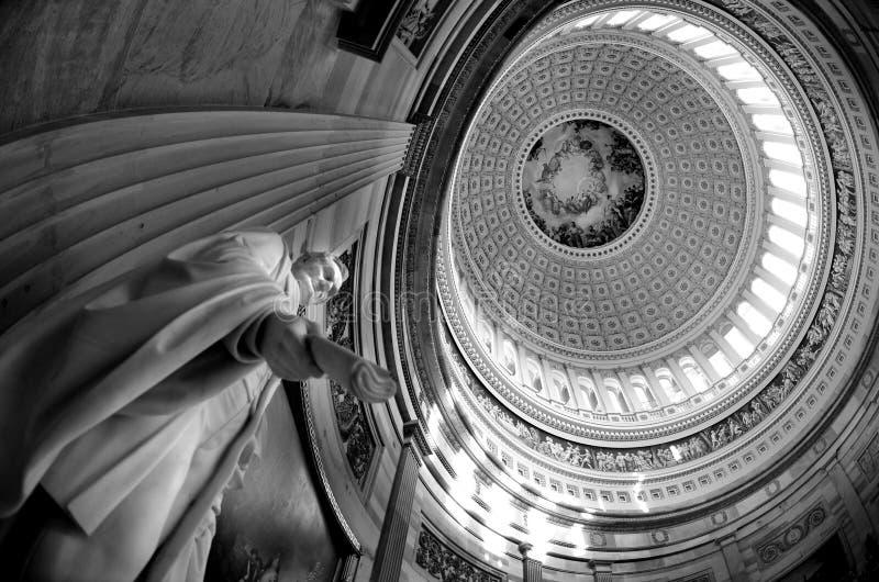 Внутренний купол капитолия США стоковые изображения