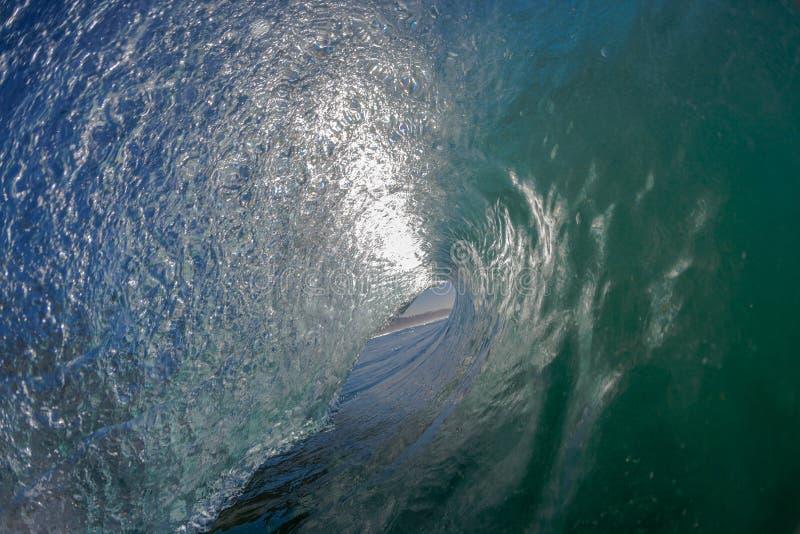 Внутренний полый взгляд волны стоковые фотографии rf