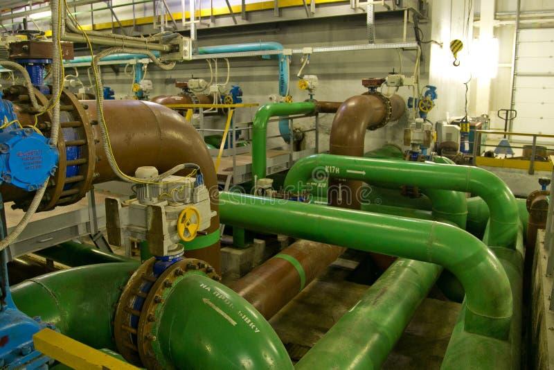 Внутренний современный завод обработки сточных вод Пост-обработка унесена на быстрой, фильтры песка не-давления стоковые фото