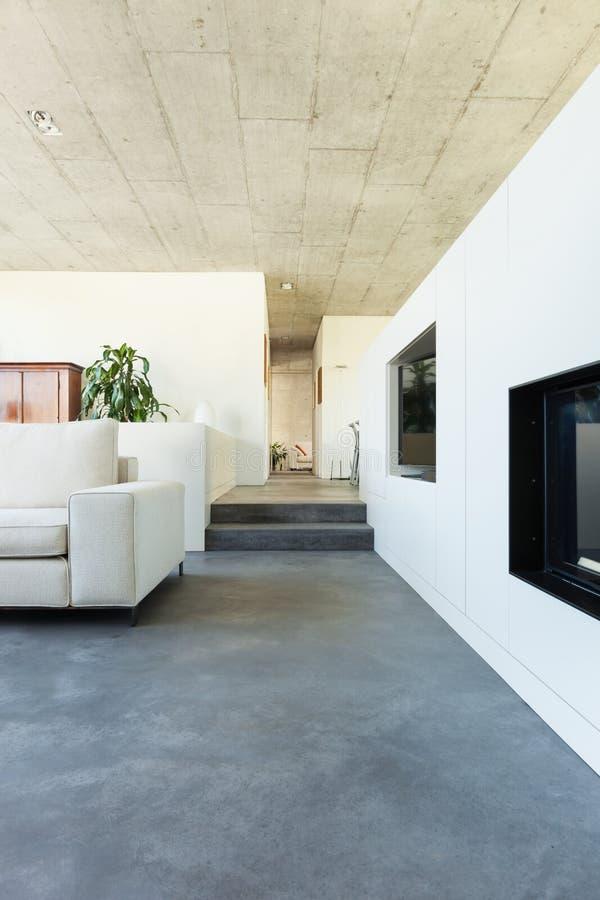 Внутренний современный дом стоковая фотография