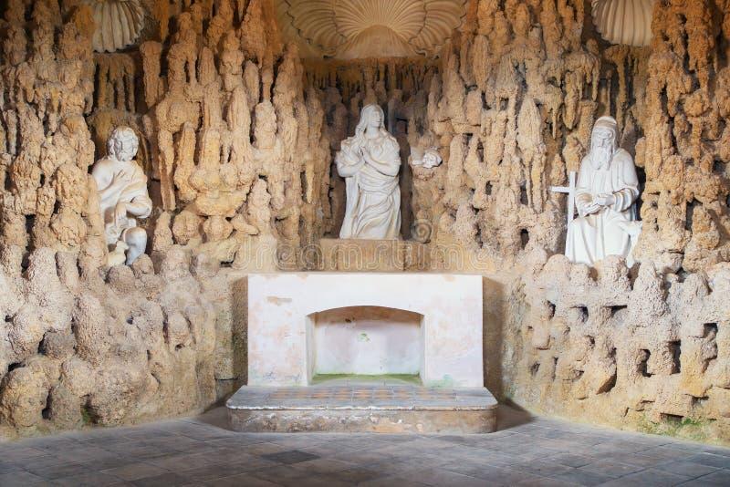 Внутренний со скульптурами в часовне Mnisen на Svata Hora Pribram стоковое изображение rf
